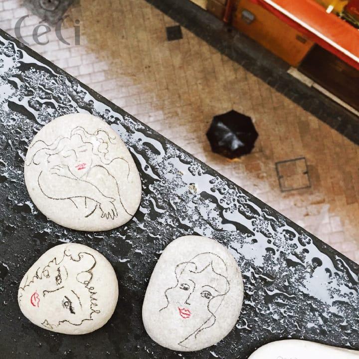 니스의 돌멩이 여행에서 미술관을 많이 다녔기에 그곳에서 영감받아 아티스트들의 스타일로 그림을 그렸다.
