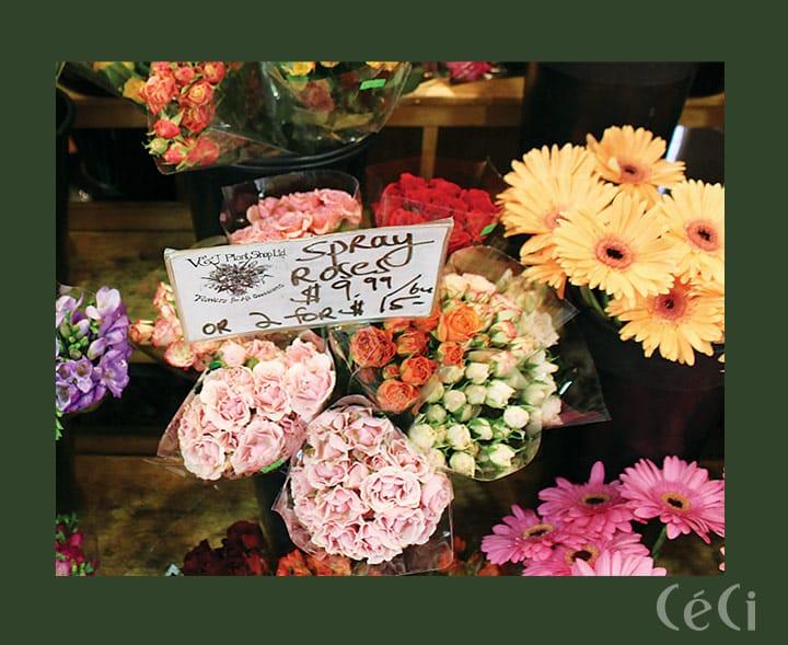여행을 떠나면 꼭 플라워 숍에 들러서 꽃을 한 다발 구입한다.