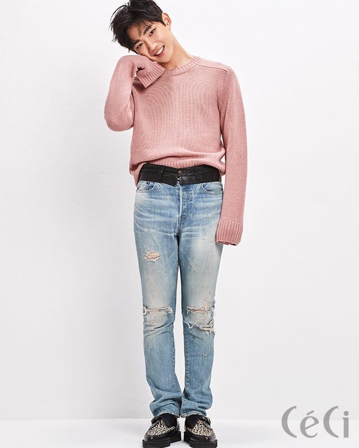 인디 핑크 컬러 니트 톱 구찌 Gucci 가죽 소재를 덧댄 데님 팬츠 미하라 야스히로 Miharayasuhiro 슈즈 언더그라운드 Underground