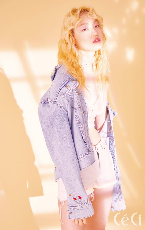 자수 포인트 데님 재킷 가격미정 씨위, 레이스 브라렛 3만9천9백원 에어리 by 아메리칸이글