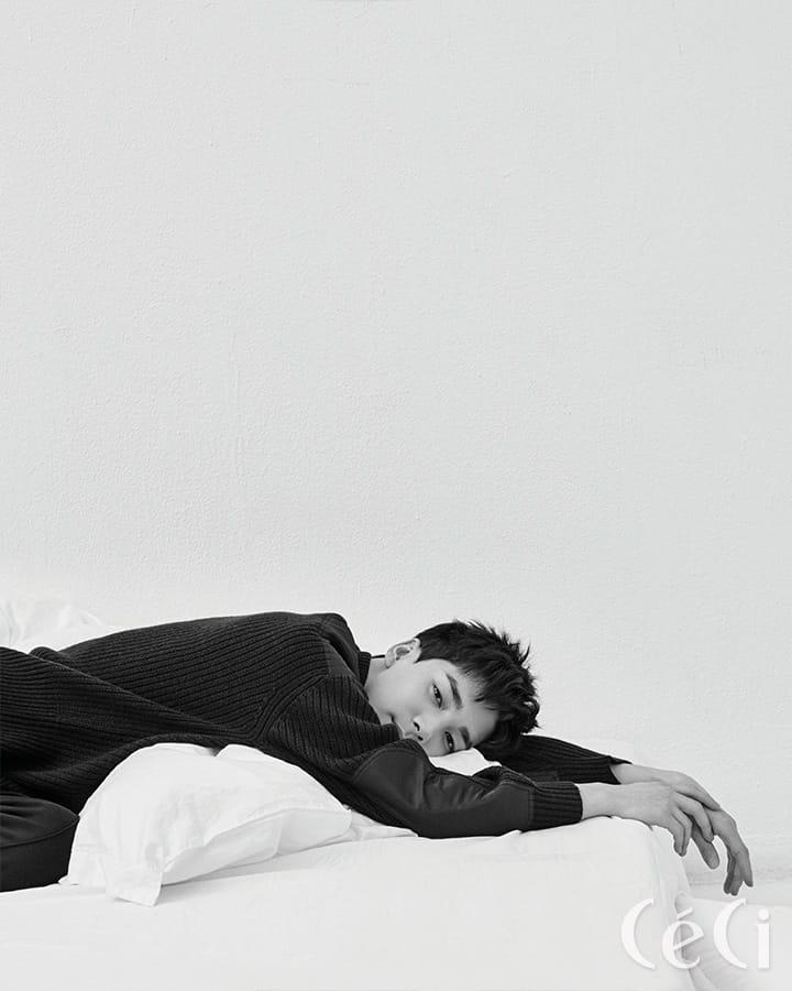 네이비 컬러 스웨터 산드로 Sandro