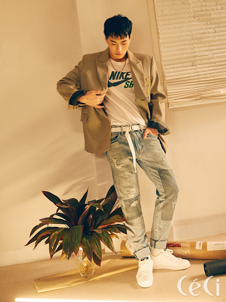<b>상균</b> 체크 재킷 브아빗 Voiebit 티셔츠 나이키 스케이트 보드Nike Skateboard 데님 팬츠 리바이스 Levi's 스니커즈 렉켄 Rekken 목걸이 엠스웨그 M'Swag 벨트와 삭스는 모두스타일리스트 소장품.